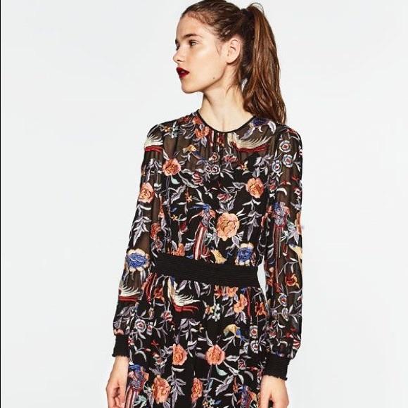 11ea1bd802f Zara embroidered midi dress. M 5b167e2b5c4452e7eccf7c72